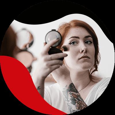 FashionTrends- Kombinieren Sie Ihr Make-up mit der Kleidung, die in Mode ist. Jetzt können Sie die perfekte Kleidung und das perfekte Make-up für Ihren Look auswählen